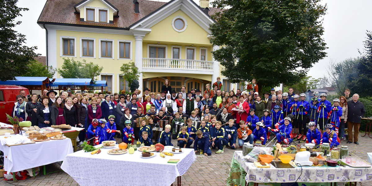 Možnost sodelovanja na prireditvi Slovenija se predstavi
