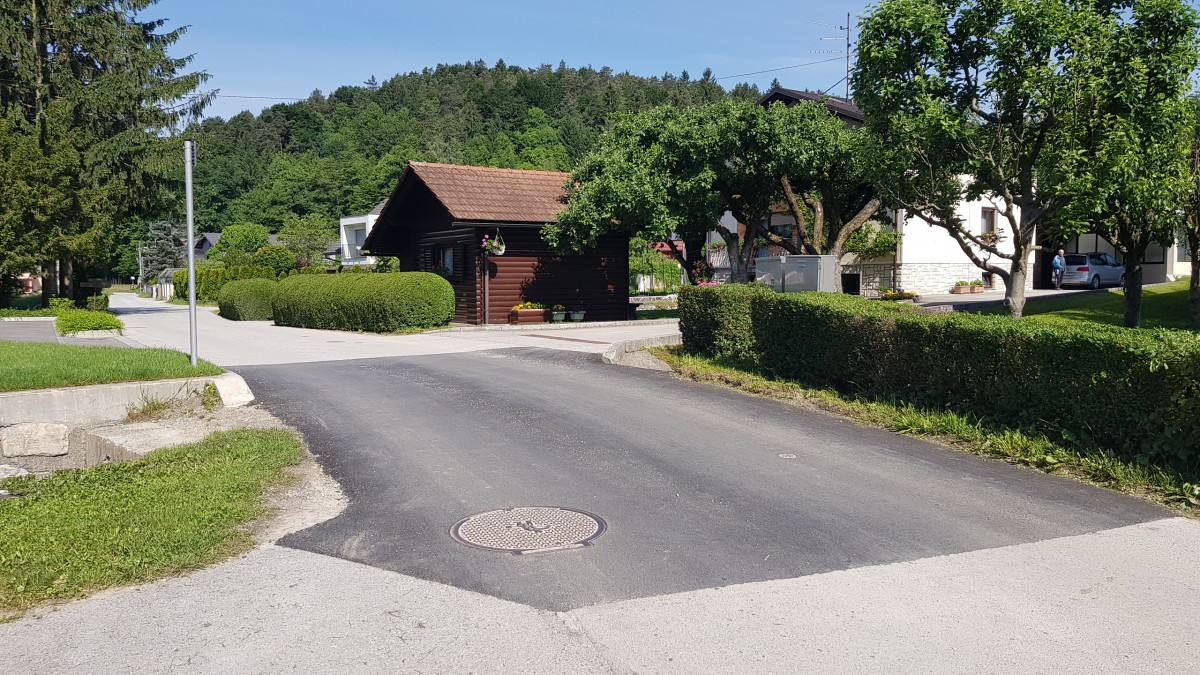 Sanacija posedka ceste ob mostičku v Zaborštu