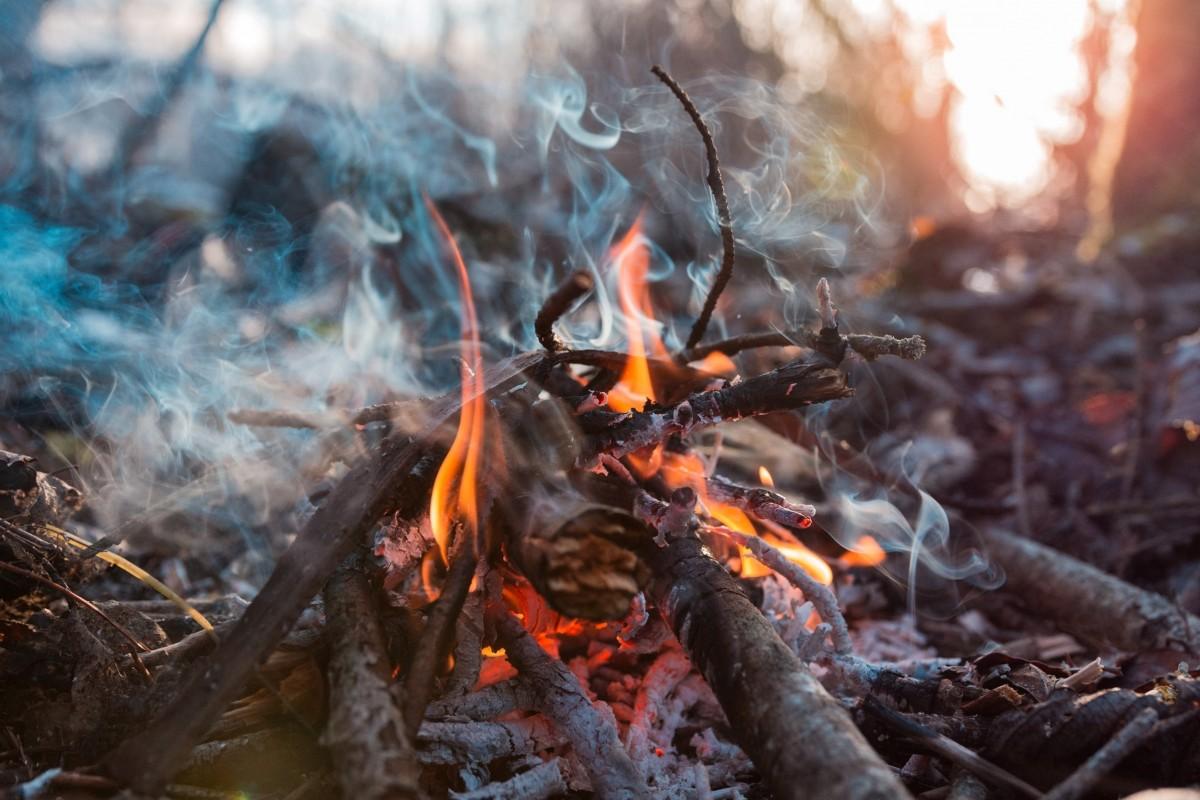 Velika požarna ogroženost naravnega okolja od 20. marca 2020 na območju celotne države