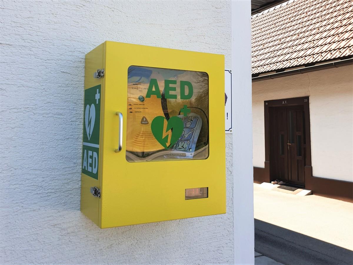 Nov defibrilator v vasi Brinje